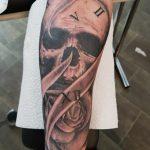Skull sleeve